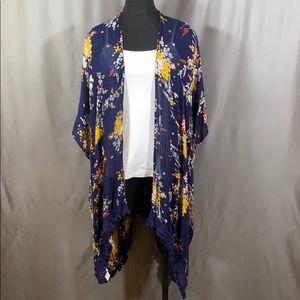 Kimono woman's light weight shawl.